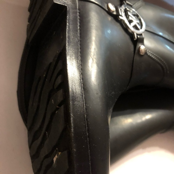 boots like size6